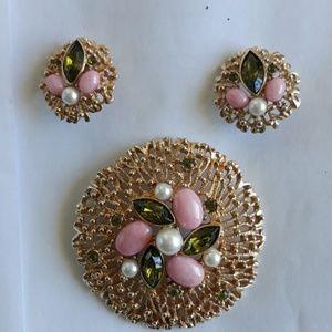 Jewelry - Vintage brooch and earrings.